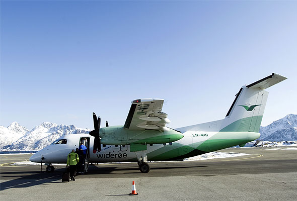 En Widere Dash 8-100-maskin (Widere)