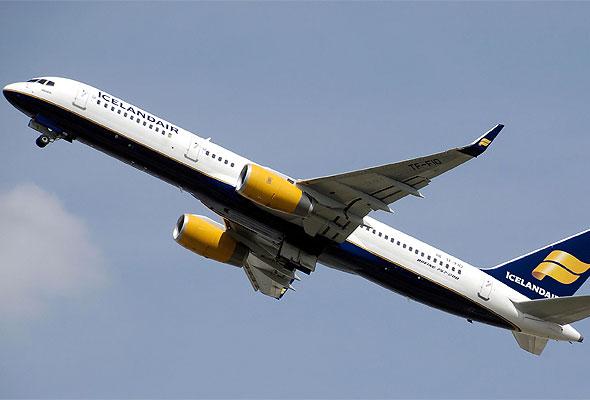 En Boeing 757-200 fra Icelandair tar av fra London Heathrow lufthavn. Fotograf: Adrian Pingstone/Wikimedia Commons