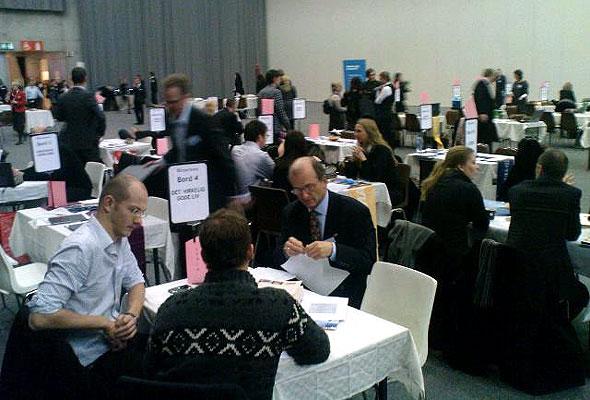Møtebørsen 2010. Hektisk aktivitet