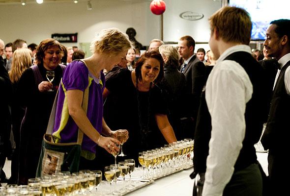 Stemningen var høy, alt før kvelden var i gang på HSMAI-prisfesten 2010. Fotograf: Catharina Wandrup/Knut Joner