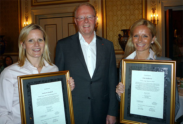 Anette Maltun Koefoed, Årets Unge Leder i Reisebransjen 2009, Geir Lundkvist, adm. dir. i Scandic Hotels og juryens leder, og Lise Solheim, Årets Unge Hotelier 2009.