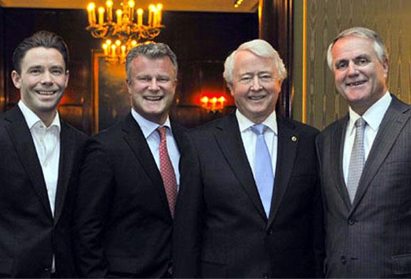 Fire sentrale ansikter i Rica Hotels. Fra venstre: Hotelldirektør Jan Erik Rivelsrud, påtroppende konsernsjef Fredrik Utheim, eier Jan E. Rivelsrud og dagens konsernsjef og påtroppende styreleder Ole-Jacob Wold.