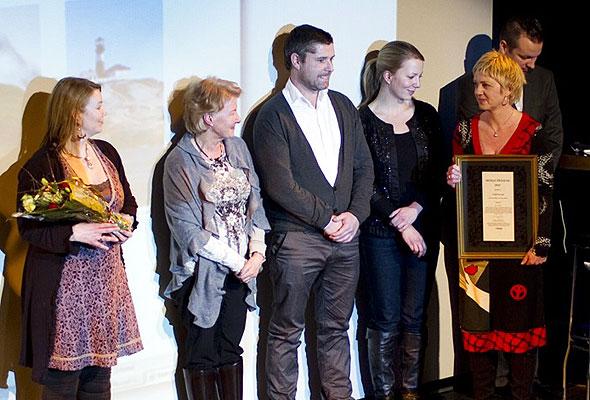 Denne gjengen fra Innovasjon Norge og VisitNorway tok imot prisen på Dizzie Showteater onsdag kveld. Fotogtraf: Catharina Wandrup/Knut Joner