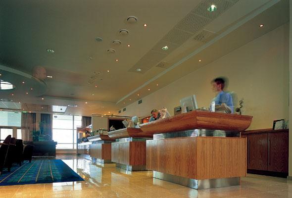 Lobbyen i Radisson Blu Hotel Ålesund (foto fra Rezidor Hotel Group)