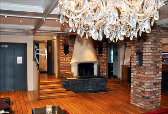 Resepsjonsområdet på First Hotel Kristiansand (foto fra First Hotels)