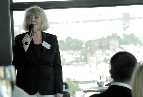 Ingunn Hofseth, administrerende direktør i HSMAI Europe og Chapter Norway, under prisutdelingen i Oslo 24. mai 2012. Fotograf: Catharina Wandrup