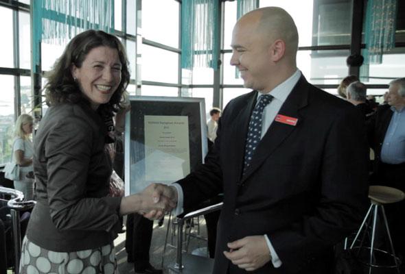RAI mottar sitt diplom i Oslo torsdag 24. mai 2012. Fotograf: Catharina Wandrup