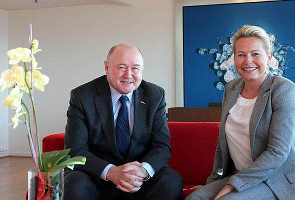 Christian Gartmann, Area Vice President Nordics, og Fredrikke Næss, HR Director Nordics i Carlson Rezidor