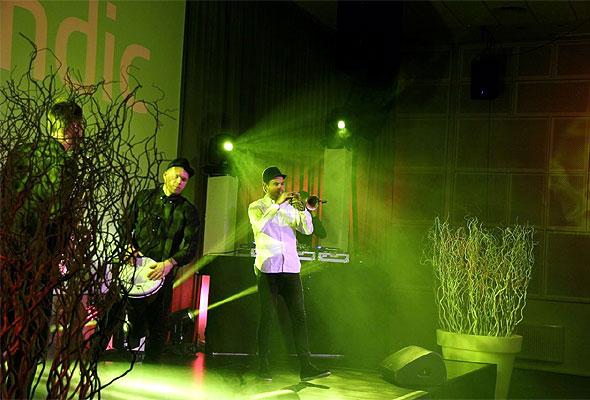 Gjestene ble underholdt etter alle kunstens regler, da Scandic Forenu åpnet torsdag 29. november 2012. Foto fra Scandic