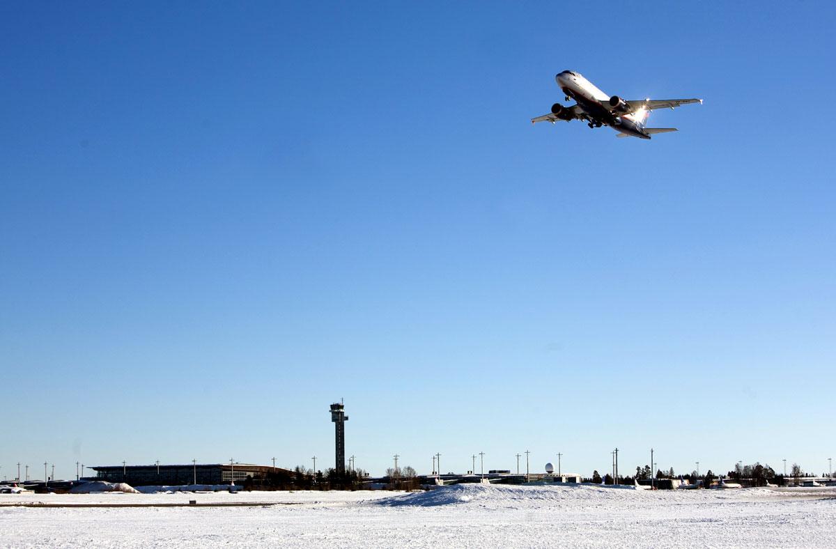 Flytrafikken fortsetter å øke