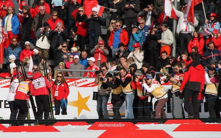 Scener fra verdenscupen på ski i Holmenkollen, mars 2012. Fotograf: Bjoertvedt/Wikimedia Commons