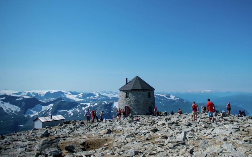 Utsikt fra Skåla, ved Loen i Stryn. Fotograf: Sverre Hjørnevik/Innovasjon Norge