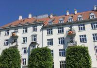 Clarion-hotellene kledd i regnbuens farger