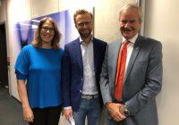 Utviklingsministeren er med Norwegian og Unicef til Tsjad