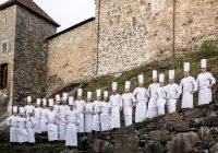 Se de norske kokkelandslagene i innspurten til VM på Oslo S søndag